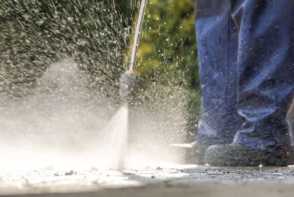 Dirty concrete Power Cleaning